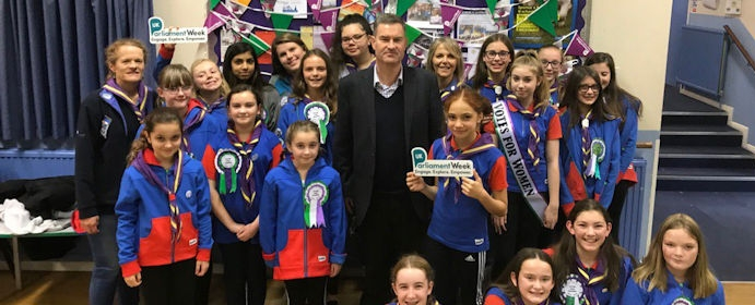 David Gauke visits 8th Rickmansworth Guides to talk about Parliament Week.