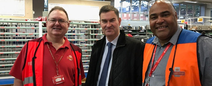 David Gauke visits Royal Mail's Rickmansworth Delivery Office at Christmas